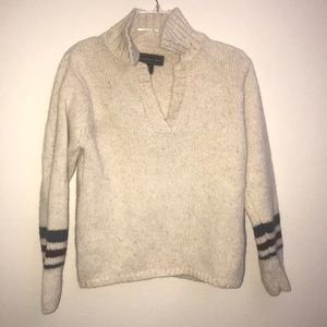 Abercrombie & Fitch wool pull over sweater